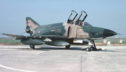 F-4 Phantom savaş jeti